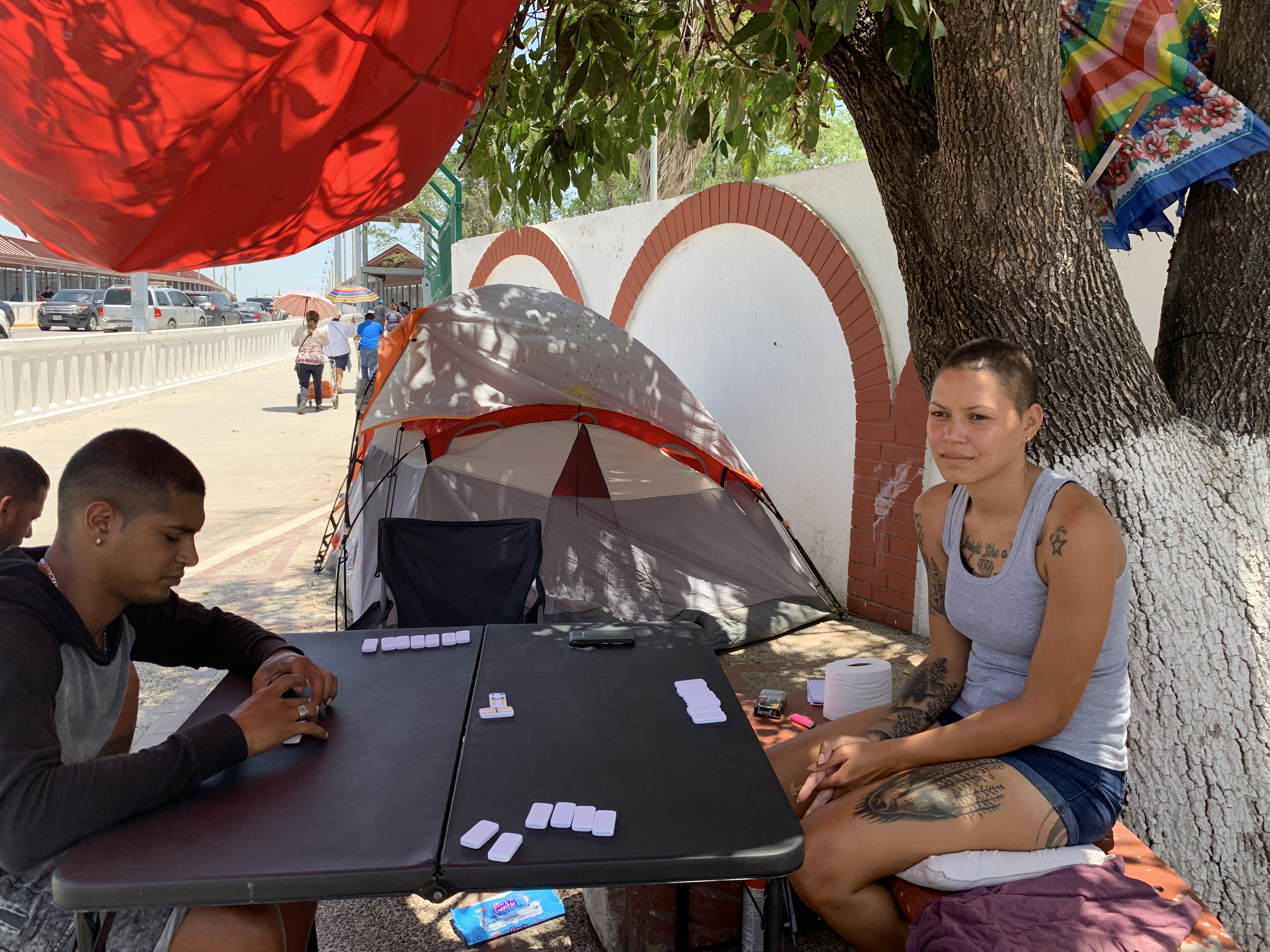 Cubans camp at Nuevo Progreso bridge hoping to claim US asylum
