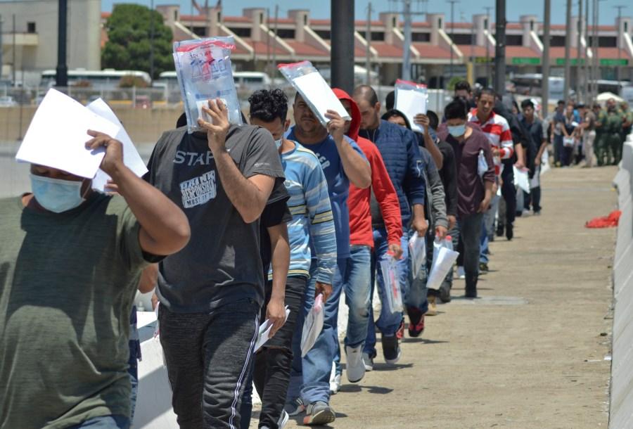 Cartel 'soldiers' divvy up migrant trade in El Paso region