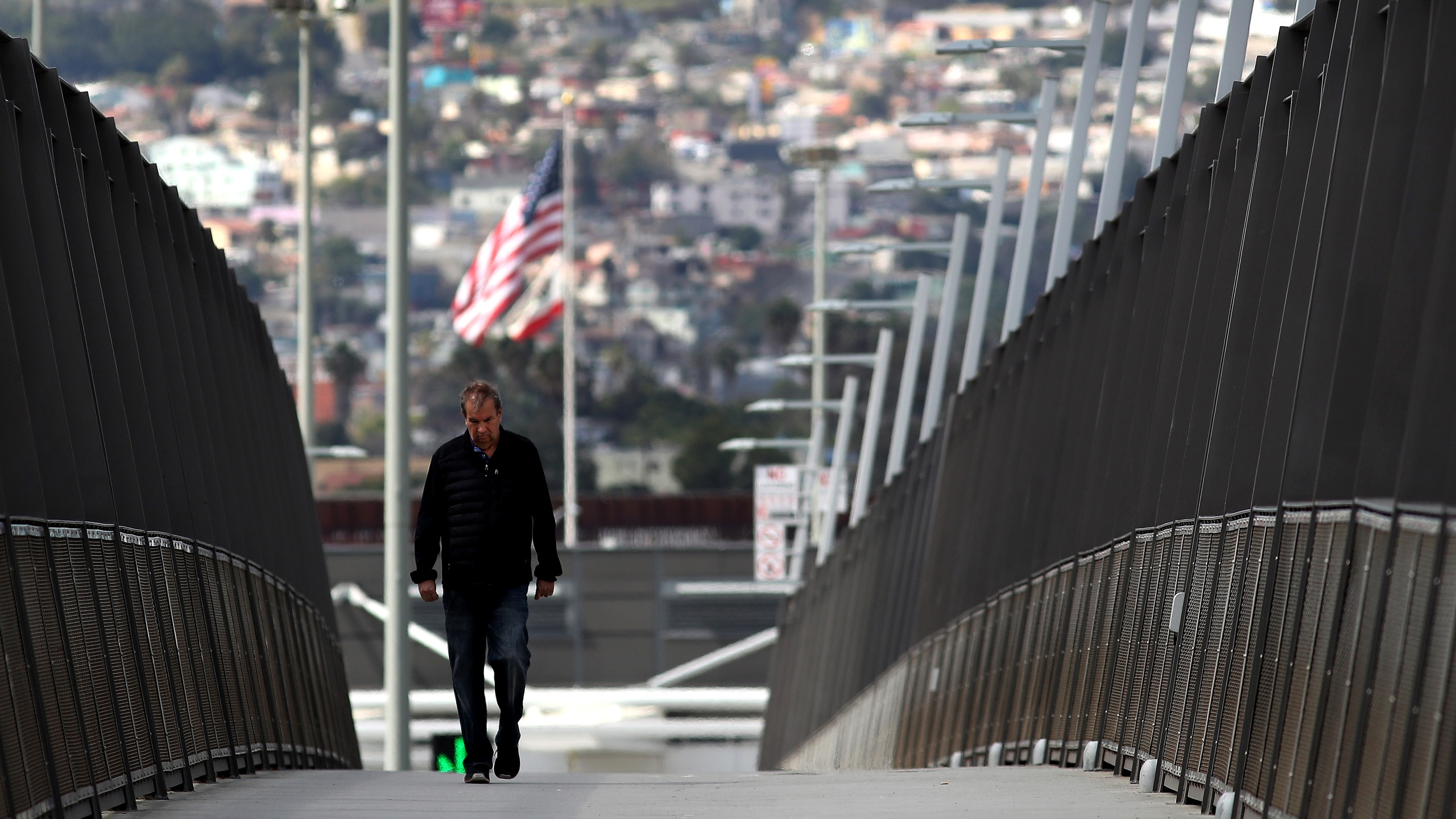 U.S. and Mexico keeping border travel restrictions through Jan. 21